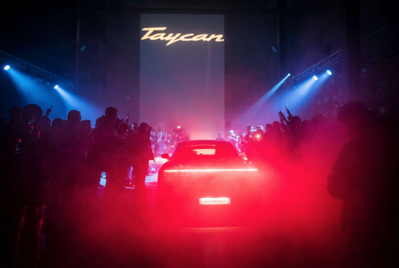 taycan-porsche-event-digital